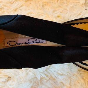 Oscar de la Renta Shoes - Auth Oscar de la Renta Satin crystal embellished👠